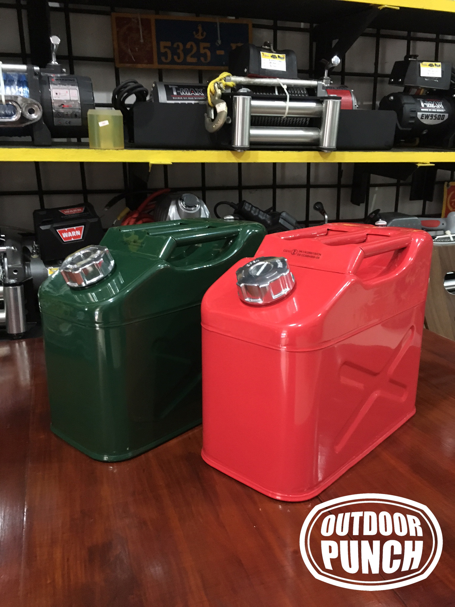 Metal Jerrycan 10 liter (Swivel Cap)